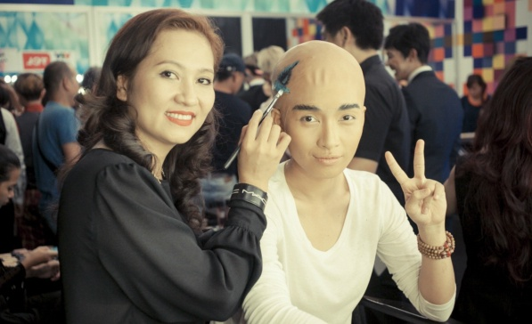 Ai Phuong 'cao troc dau' de dong gia Quach Phu Thanh hinh anh