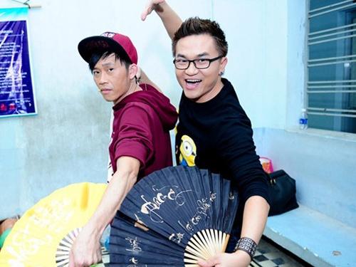 Dai Nghia: 'Ap luc khi thay the Hoai Linh, Thanh Bach' hinh anh