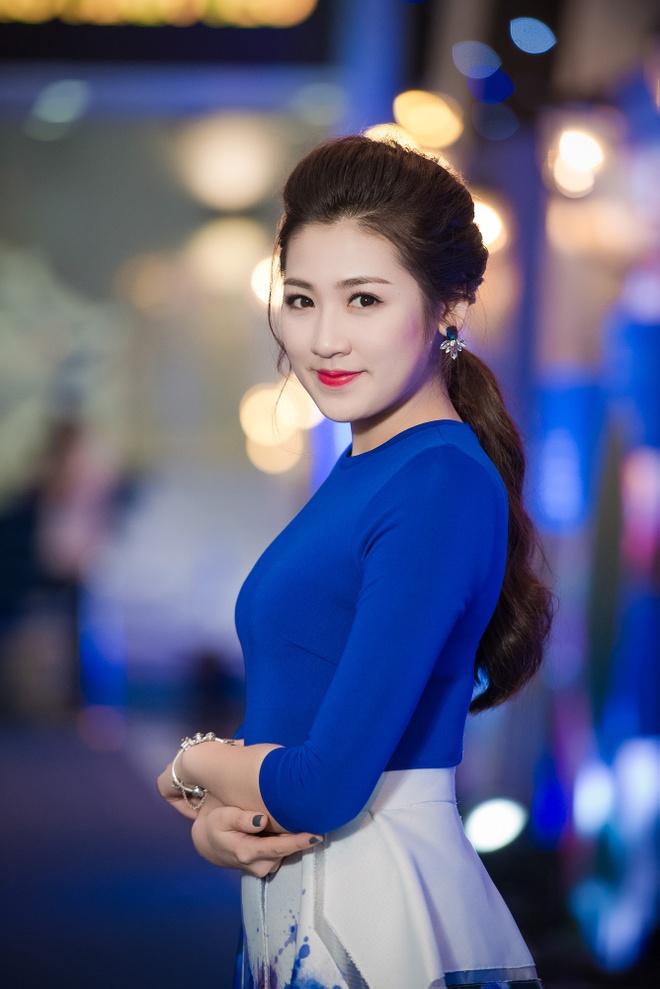 Hong Que mac goi cam than thiet ben Trong Hieu hinh anh 6