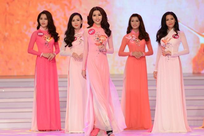 Pham Thi Huong dang quang Hoa hau Hoan vu hinh anh 15