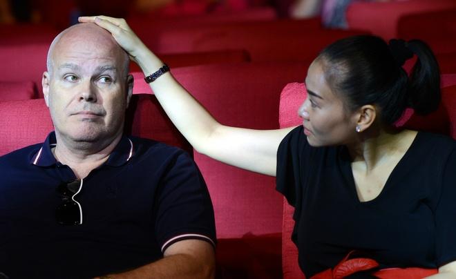 Chong Tay ho tong Thu Minh di tong duyet Hoa hau Hoan vu hinh anh