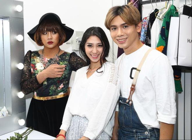 Khong Tu Quynh son mong tay cho co giao Duy Khanh hinh anh 3 Bạn gái Ngô Kiến Huy thời gian qua có phần