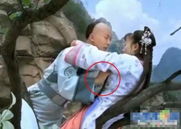 Nhung canh nong bi chi trich trong phim co trang Hoa, Han hinh anh 6 Nhĩ Khang