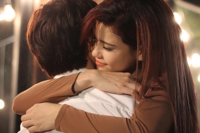 Truong Quynh Anh dep mong manh trong MV dong cung Tim hinh anh