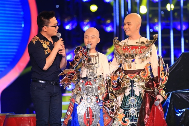Phuong My Chi bi che hat khong giong Phan Dinh Tung hinh anh 3