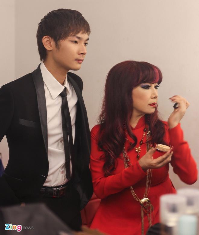 Con trai Bao Yen: 'Me muon toi lay nguoi nhu me' hinh anh 3
