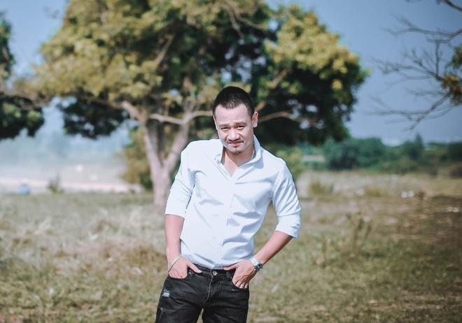 Nhac si Nguyen Duc Cuong tro lai bang MV moi hinh anh