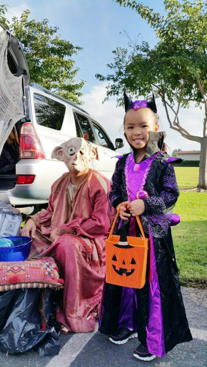 Viet Huong buon vi khong choi Halloween voi con gai o My hinh anh 2