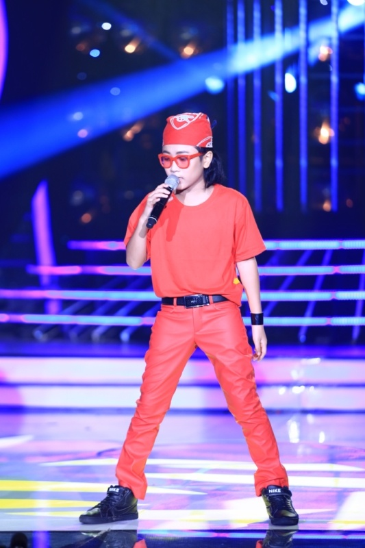 'Thien than nhi' 7 tuoi doc rap lam giam khao bo tron hinh anh 14