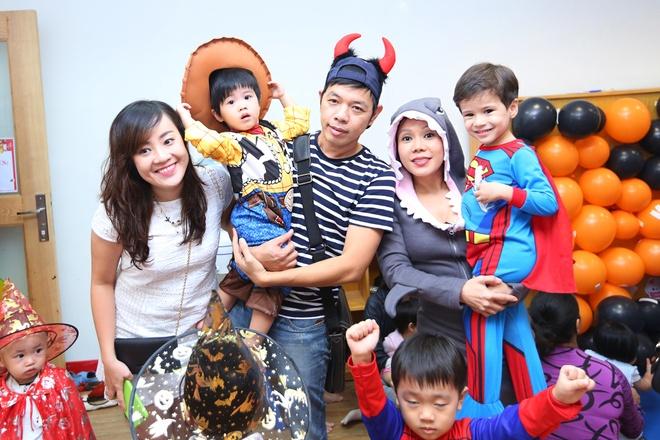 Viet Huong buon vi khong choi Halloween voi con gai o My hinh anh 7