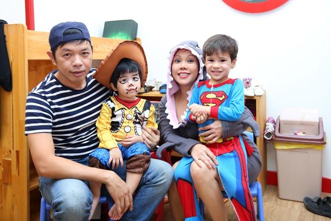 Viet Huong buon vi khong choi Halloween voi con gai o My hinh anh 6