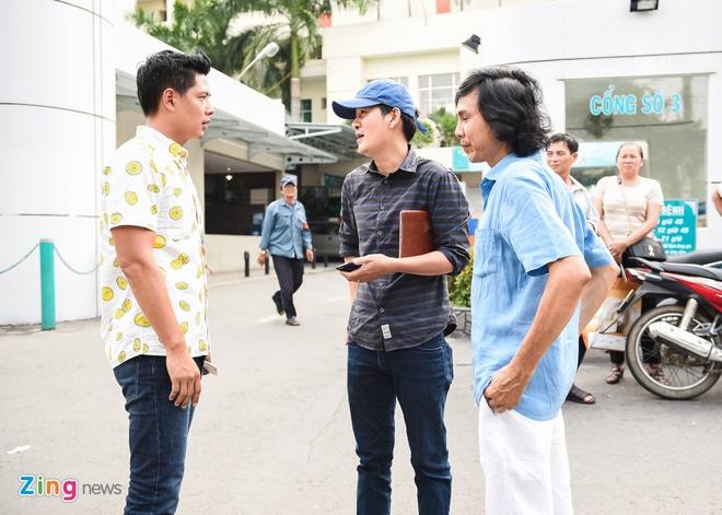 Binh Minh den benh vien tham Nguyen Hoang hinh anh 3