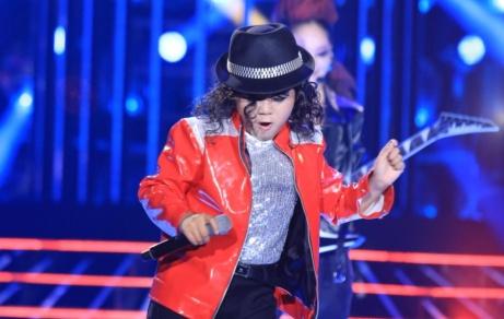 Phien ban nhi hoan hao cua Michael Jackson am giai 100 trieu hinh anh