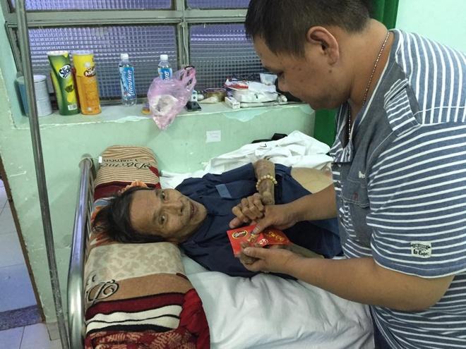 Quyen Linh Den Tham Dien Vien 'Van Bai Lat Ngua' Bi Xo Gan Hinh