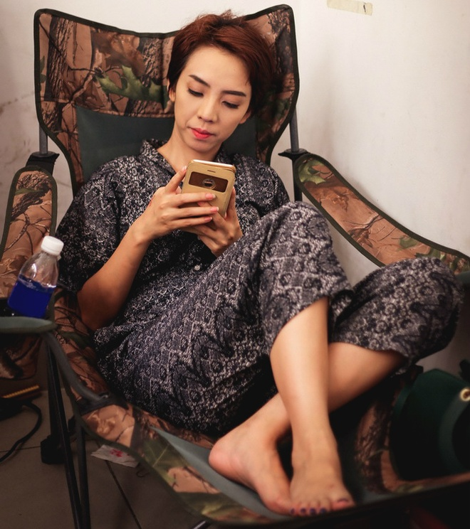 Tran Thanh ngu trong canh ga, Thu Trang tranh thu an lot da hinh anh 4
