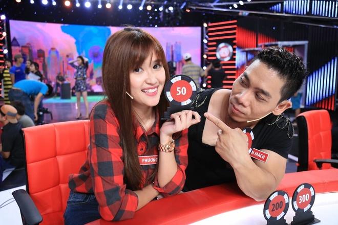 Ban gai Pham Van Mach chiu choi trong game show hinh anh