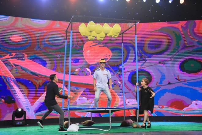 Ban gai Pham Van Mach chiu choi trong game show hinh anh 13
