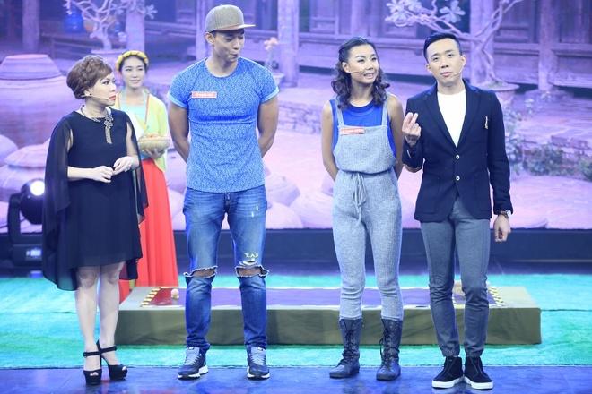 Ban gai Pham Van Mach chiu choi trong game show hinh anh 2