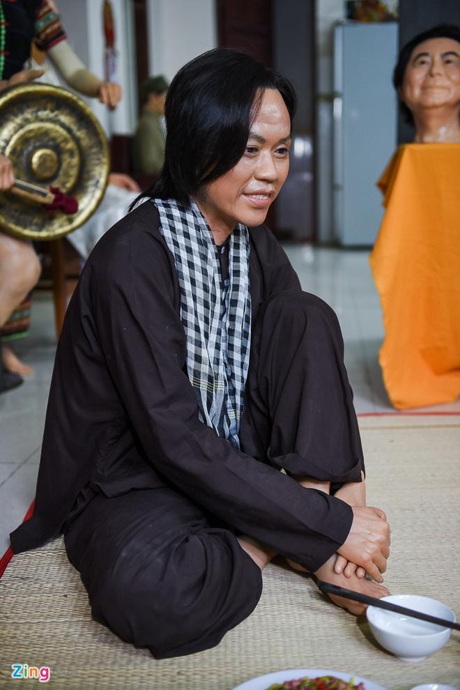 Den san khau lay so do Hoai Linh de lam tuong sap hinh anh 2