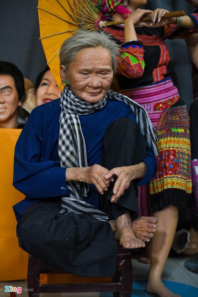 Den san khau lay so do Hoai Linh de lam tuong sap hinh anh 9