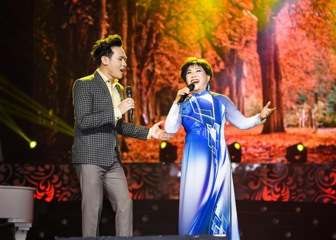 Bao Yen mac ca tinh song ca cung con trai hinh anh 6