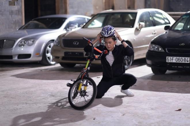 Ngo Kien Huy lam cao thu xe dap trong phim chieu Tet hinh anh 1