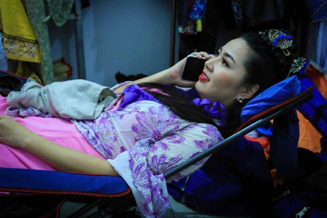 Le Khanh - Thu Trang mo phong cuoc chien chon tham cung hinh anh 5