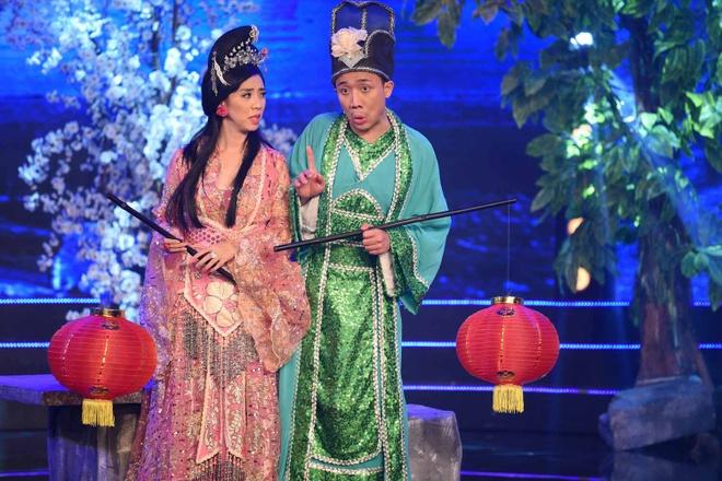 Le Khanh - Thu Trang mo phong cuoc chien chon tham cung hinh anh 1