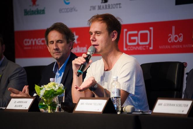 DJ Armin Van Buuren than thien khi den Viet Nam hinh anh 3