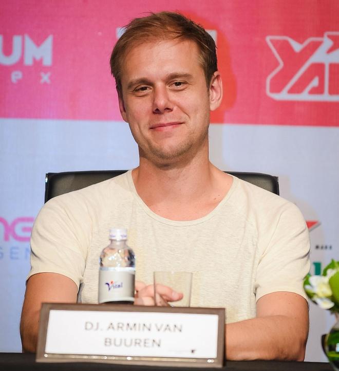 DJ Armin Van Buuren than thien khi den Viet Nam hinh anh 4