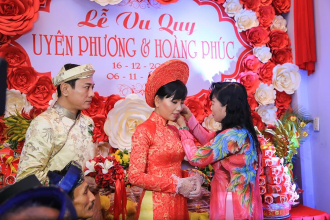 Dien vien Hoang Phuc dua mua lan vao le ruoc dau o Hue hinh anh 6