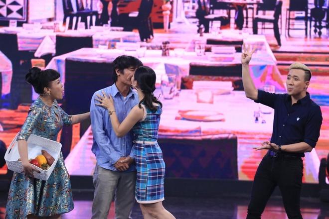 Cat Tuong va tinh tre kem 13 tuoi hon nhau trong game show hinh anh 12