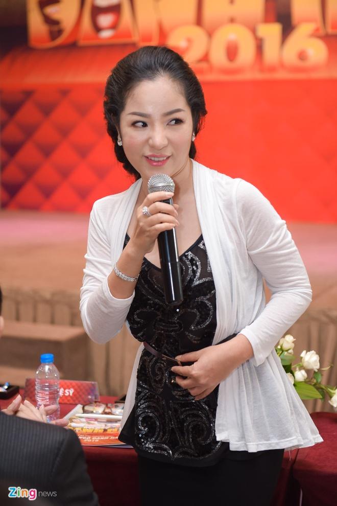 Lam MC, Viet Huong gianh het phan noi cua Chi Tai hinh anh 6