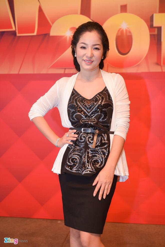 Lam MC, Viet Huong gianh het phan noi cua Chi Tai hinh anh 7