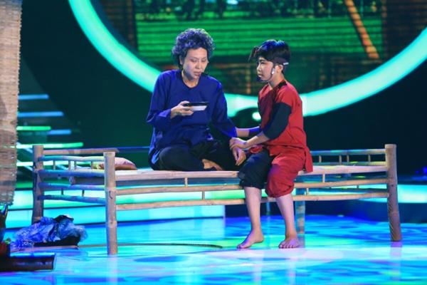 Phuong My Chi danh bai con nuoi Hoai Linh de am 700 trieu? hinh anh 3