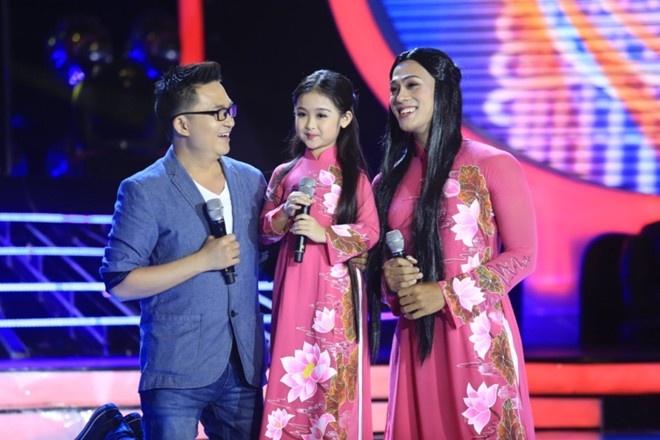 Phuong My Chi danh bai con nuoi Hoai Linh de am 700 trieu? hinh anh 4