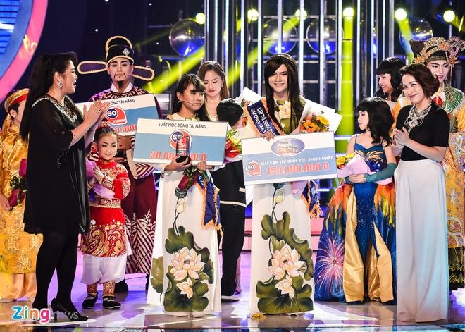 Khoanh khac buon cua Phuong My Chi khi de hut giai thuong hinh anh 4 Tuy nhiên, Phương Mỹ Chi chưa kịp vui mừng khi MC Đại Nghĩa công bố cô bé về vị trí cuối cùng trong top 4.