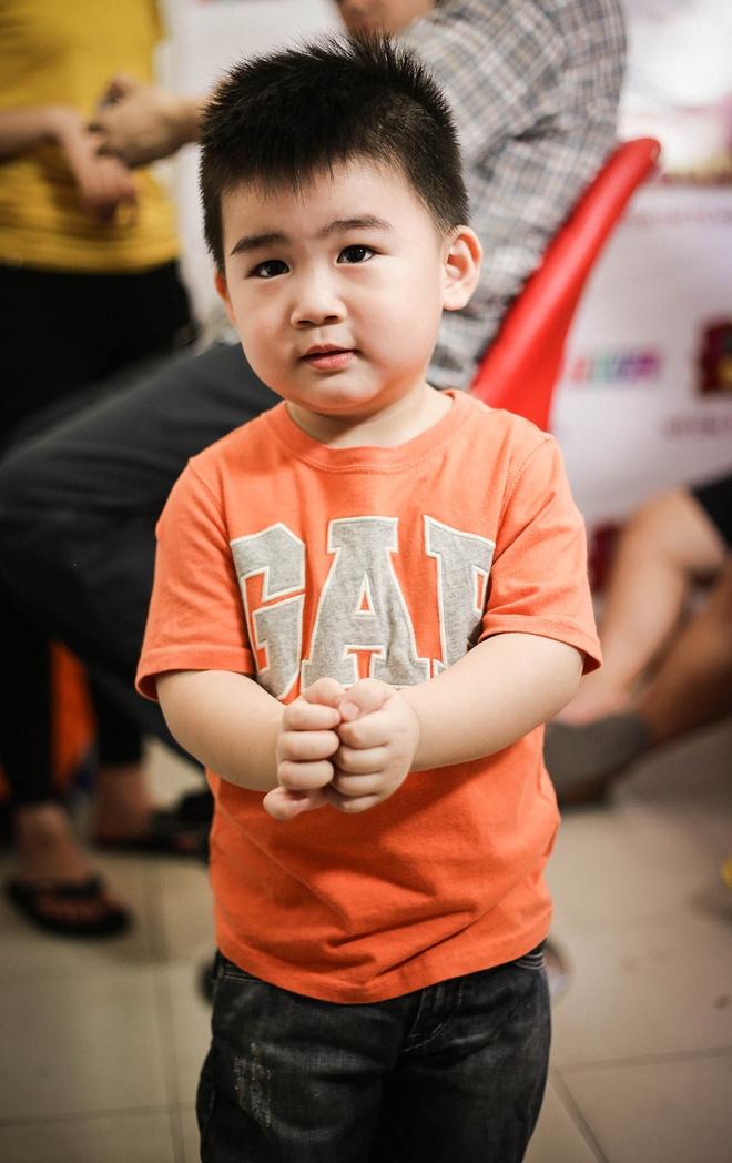 Con trai 2 tuoi song ca cung NSUT Kim Tu Long hinh anh 5