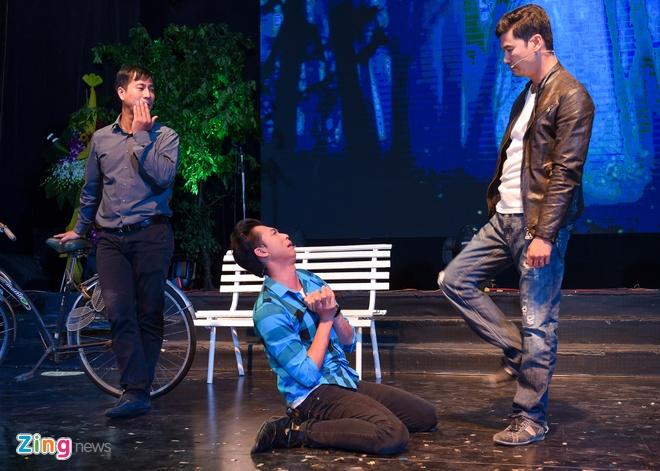 Tiet Cuong lien tuc bi danh trong live show hai dau tien hinh anh 5