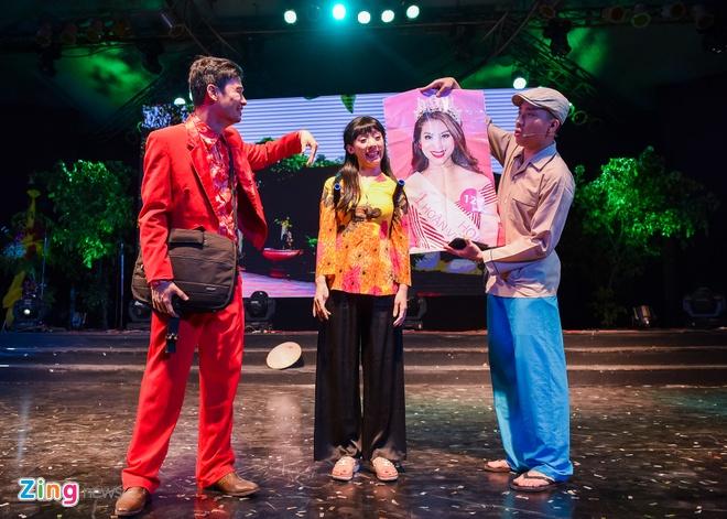 Tiet Cuong lien tuc bi danh trong live show hai dau tien hinh anh 7
