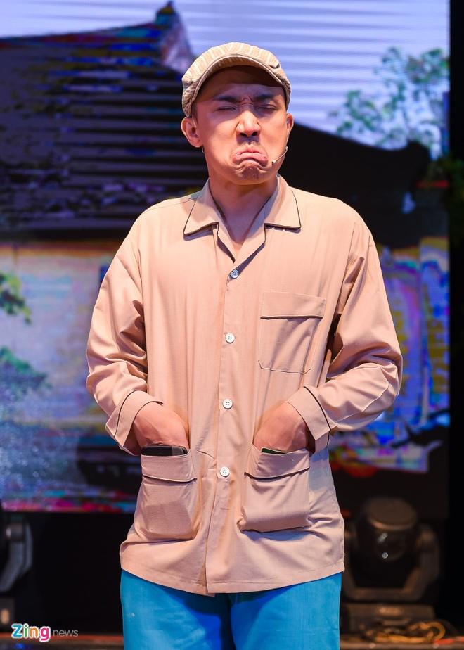 Tiet Cuong lien tuc bi danh trong live show hai dau tien hinh anh 8