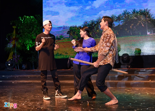 Tiet Cuong lien tuc bi danh trong live show hai dau tien hinh anh 3