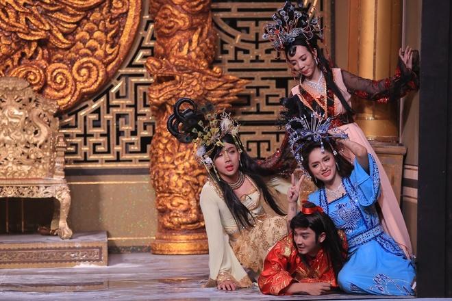 Hoai Linh - Thuy Nga lam khan gia vua khoc vua cuoi hinh anh 8
