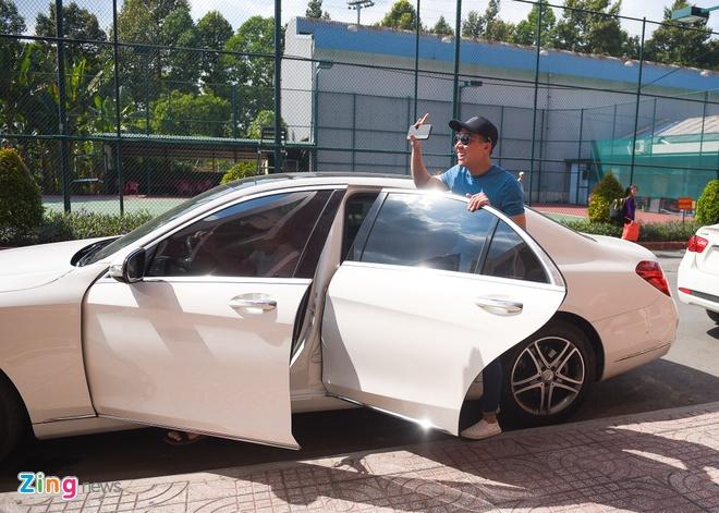 Tran Thanh di xe sang tap Zing Music Awards hinh anh 6