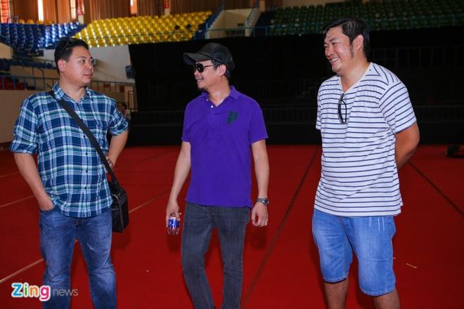 Tran Thanh di xe sang tap Zing Music Awards hinh anh 1