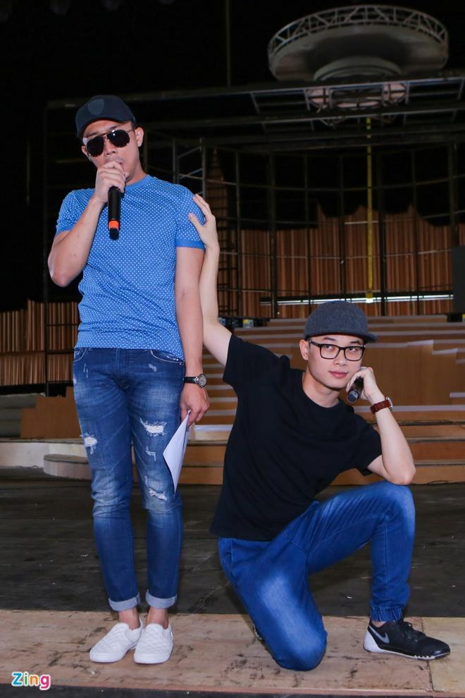 Tran Thanh di xe sang tap Zing Music Awards hinh anh 4