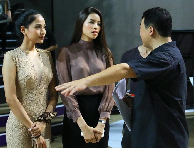 Hoa hau Pham Huong mac kin dao den tong duyet ZMA hinh anh 4