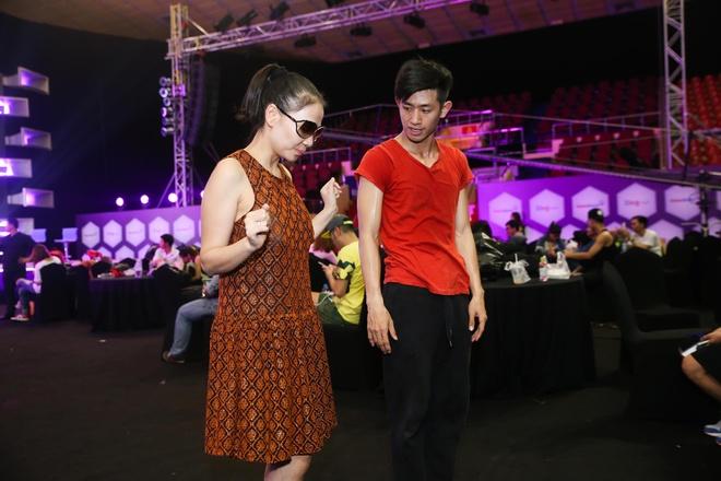 Hoa hau Pham Huong mac kin dao den tong duyet ZMA hinh anh 10