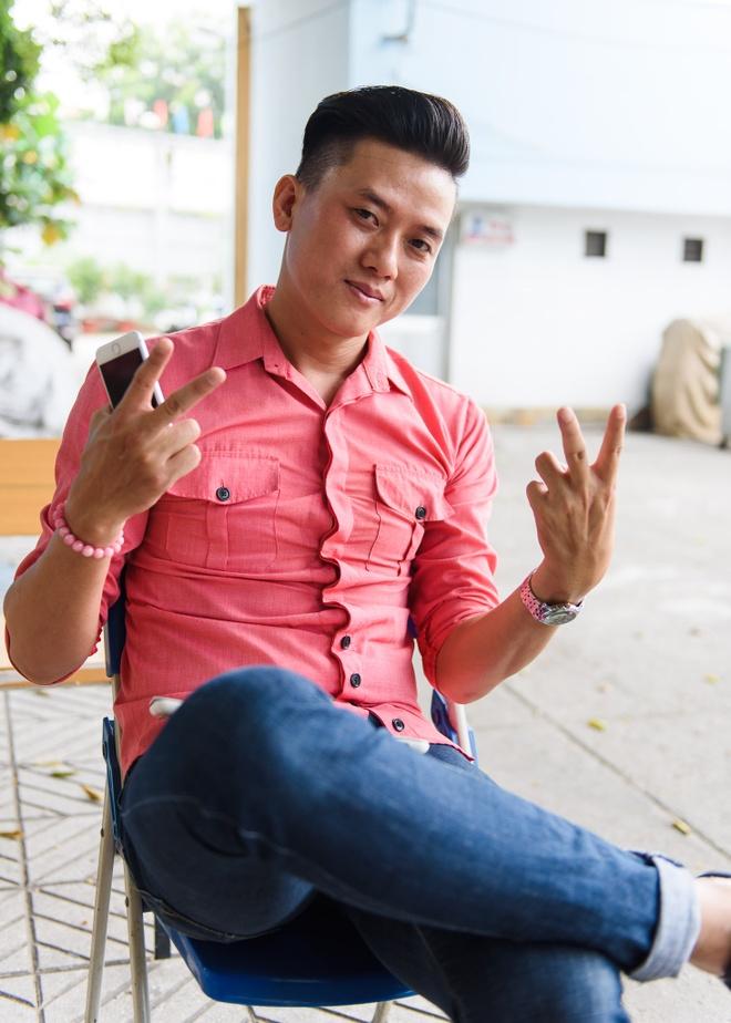 'Hoai Linh cuu mang cac dien vien bang dong tien luu dien' hinh anh 1