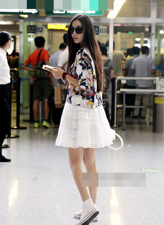 Street style an tuong cua Dich Le Nhiet Ba hinh anh 12